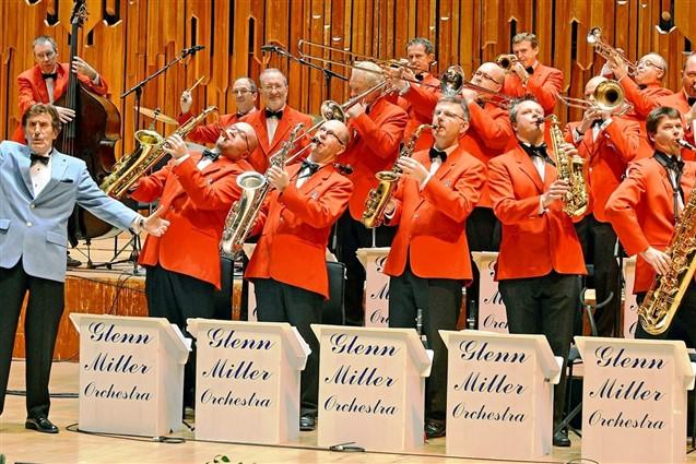 The Glenn Miller Orchestra, Milton Keynes, Matinee