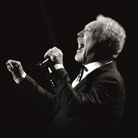 Tom Jones - Earlham Park, Norwich Evening