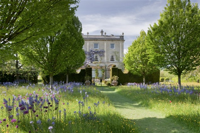 Highgrove & Waterperry  Gardens