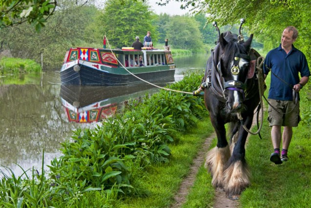Kennet & Avon Canal Horse Drawn Barge